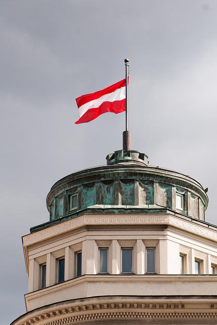 Austrian flag 3  Thomas Quine
