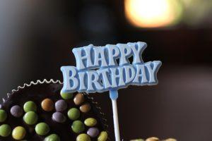 Décoration de gâteau d'anniversaire.