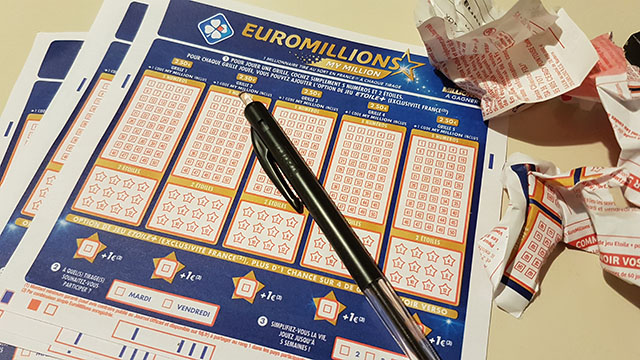 Une grille d'EuroMillions.